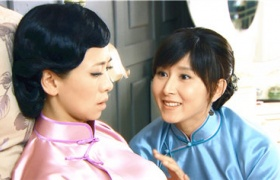 【泪洒女人花】第27集预告-胡静安慰受伤婆婆