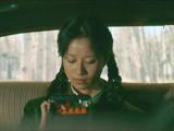 《蓝色骨头》曝终极海报 央吉玛天籁演绎《鱼鸟之恋》