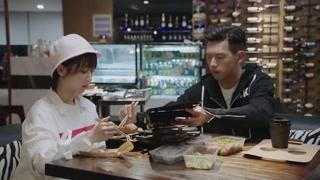 韩商言将碗里的肉和菜全给佟年!一不小心发现他的其他面
