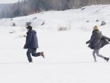 《冰河追凶》美在冷暖之间 呈现辽阔雪原风光