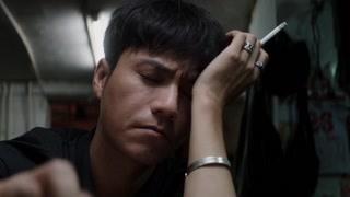 陈坤在重庆开了家洞子火锅  客人那么多的嘛