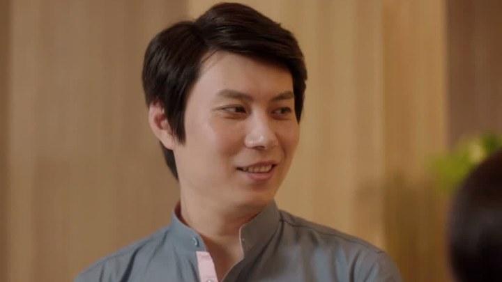 情圣 MV1:插曲《我在人民广场吃炸鸡》 (中文字幕)