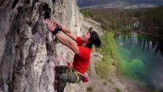 攀岩达人完成中国最难抱石路线