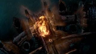 索伦扔出火苗毁坏神秘蓝光