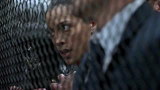 《反恐特警组》斯黛芬尼·西格曼实力展现女人该有的样子