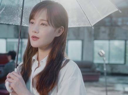 """《我在时间尽头等你》""""爱的回音""""MV 李一桐首唱情歌回应李鸿其爱的告白"""
