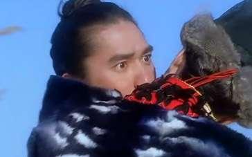 《天下无双》经典片段 王菲强吻梁朝伟亲证女儿身
