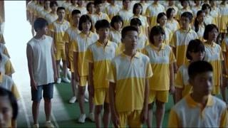 《隐秘的角落》朱朝阳和严良在人海中对视 这一场景如梦似幻不像是真的