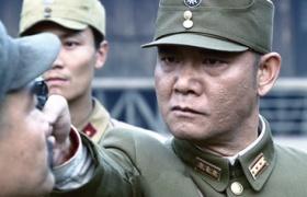 【出关】第3集预告-红军反抗共军险被祭枪