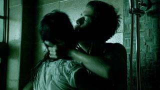 情侣激情后男友挥刀自杀   这是什么恐怖爱情故事