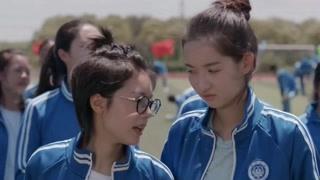 体贴江天昊陪邓小琪跑步!高中时代的爱情就是这么美好!