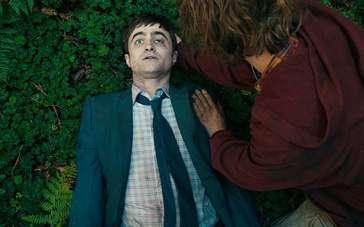 《瑞士军人》中文片段 哈利扮演会说话的尸体
