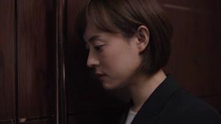苏筱站在门外偷听