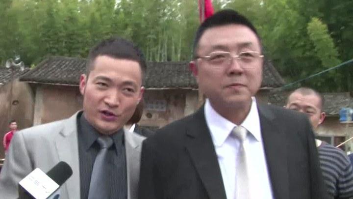 做次有钱人 片段3:捐款捐豪车 (中文字幕)