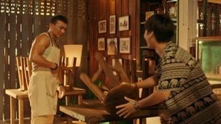 狂战:猫哥火锅店里收保护费 烂牙仔被吓不敢说话