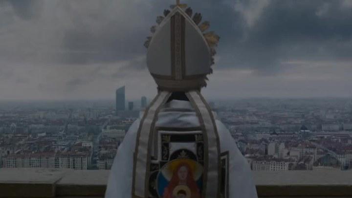 感谢上帝 法国预告片3