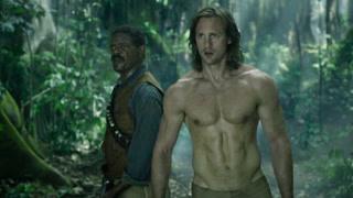 泰山半裸秀肌肉大战猩猩