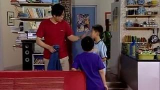 小雨在学校被撑得尿裤子了?都是半杯牛奶的错!