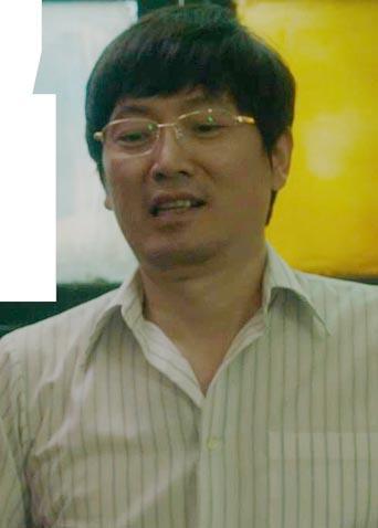 《江湖儿女》刁亦男变身企业家  呆萌举动尽显反转魅力
