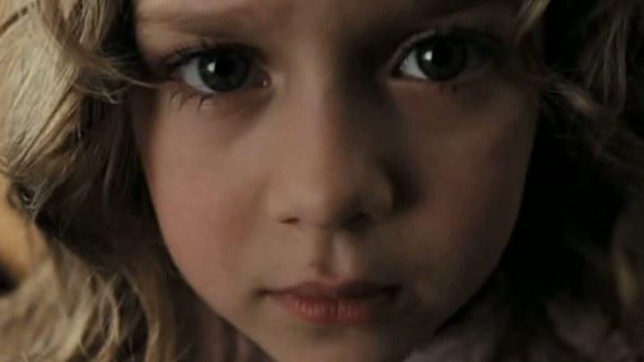 午夜微博 其它花絮:视频盘点之恐怖电影里的小萝莉 (中文字幕)