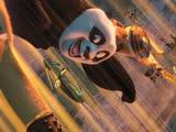 《功夫熊猫2》片段:熊猫阿宝大战豺狼军团,淡定兔子太抢戏!