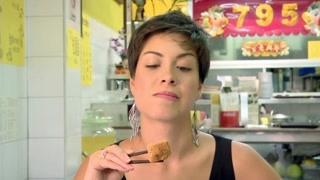 臭名昭著的榴莲到底有多好吃? 外国人吃臭豆腐!
