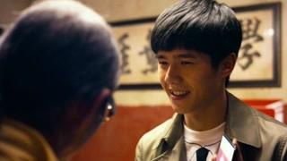 为了打探线索,刘昊然只能牺牲美色!