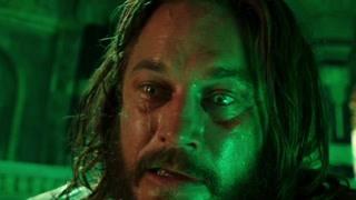 麦迪文完全被萨格拉斯腐化 并指挥古尔丹打开了德拉诺的黑暗之门