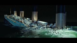 大部分船体已经沉入海里 露丝杰克仍没放弃希望