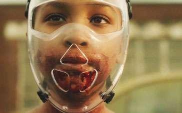 《天赐女孩》中文预告 嗜血少女反乌托邦求生存