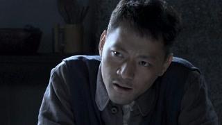 《掩不住的阳光》关杰怀疑赵天明故意出卖狱友 赵天明气急攻心
