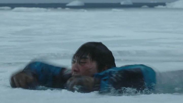 南极之恋 片段2:坠湖 (中文字幕)