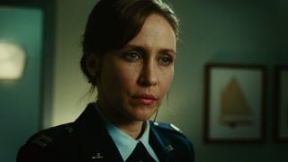 超越时空 女上尉收到肖恩短信