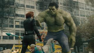 黑寡妇温柔抚摸绿巨人