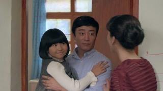 天梦:木槿八岁生日 父女两外出