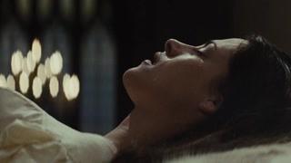 猎人亲吻白雪公主 公主醒来