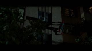 彼得从外墙爬回家里 这动作一看就不是新手