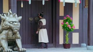 《皇甫神医》步准拜见王赞却吃闭门羹 大人都是你想见就见的吗