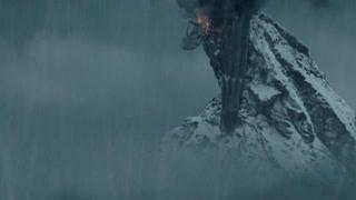 甘道夫击败强敌 将其尸身丢下悬崖