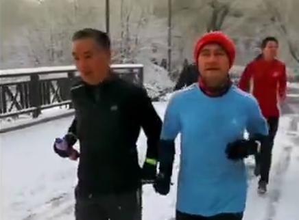 《了不起的老爸》曝真实感人彩蛋 片尾跑团字幕超震撼
