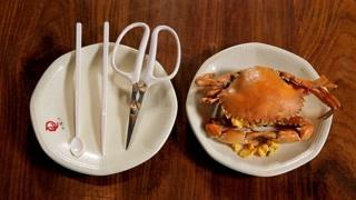 花雕黄油蟹 剥下来的蟹黄做小笼包!