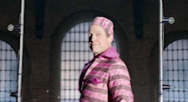 《帕丁顿熊2》彩蛋片段  休·格兰特狱中歌舞秀