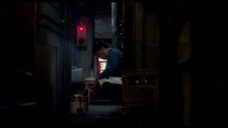 老板大半夜的居然在街道煎秋刀鱼 真是邪恶啊!