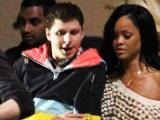 《世界末日》拍摄直击 蕾哈娜、爱玛现身欢乐派对