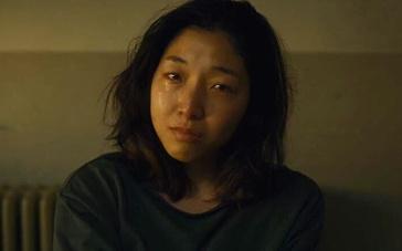 《小偷家族》安藤樱哭戏片段戳泪点