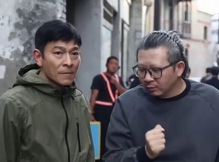 《人潮汹涌》花絮 刘德华因导演接了这部戏
