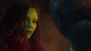 卡魔拉被妹妹疯狂追杀 两人铲斗一番后终于解开了两人的心结和好