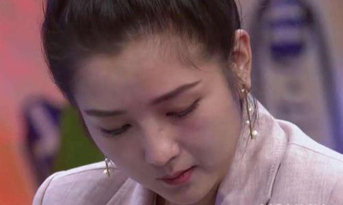 表情 内心很忧伤,低头难过的美女 伤心流泪图片 QQ表情党 表情