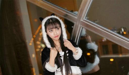 清纯美眉Lucky咏丹可爱猫儿帽私房写真