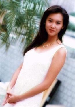 座: 天蝎座 简 介: 朱茵,1971年10月25日出生于香港,中国影视女演员